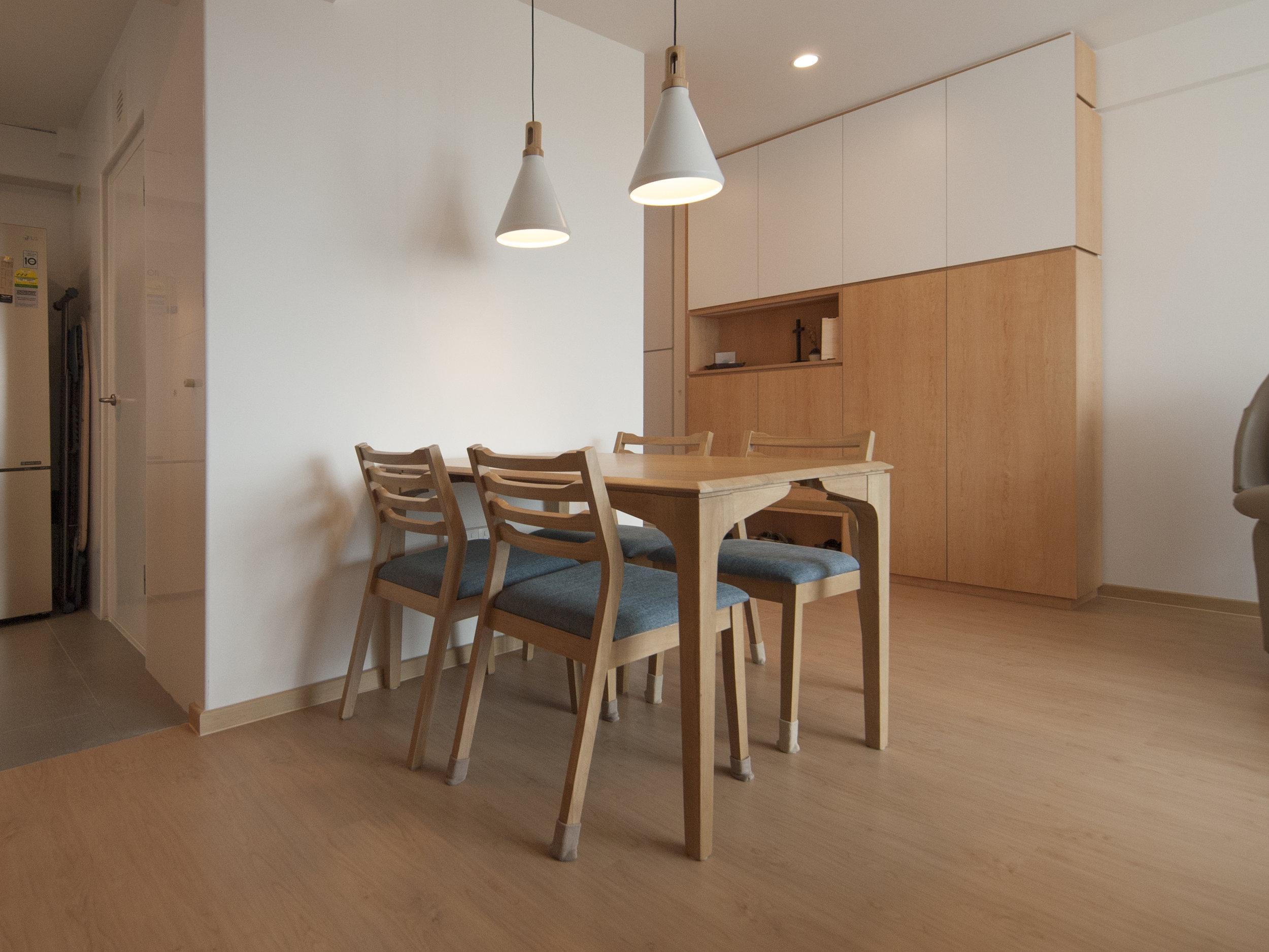 Dining Room & Entryway