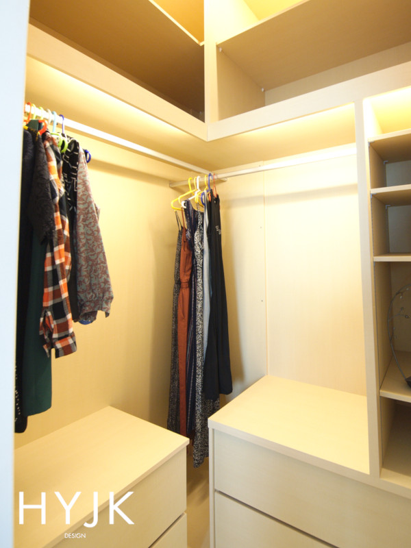 Walk-in closet with customised space (Project Ad Astra)