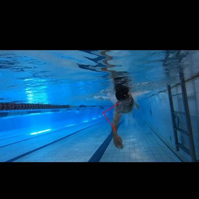 Here are some stills from the analysis videos taken during the @effortlessswimming freestyle stroke correction clinic I did on Sunday.  The expert advice and the brutal truth of video has made it very clear how I can improve the mechanics of my swimming.  With swimming, running, lifting and any ofther repetitive exercise - it is so worthwhile spending the time and money learning from an expert to refine your technique to improve your efficiency and reduce your likelihood of unnecessary injury.  Can't recommend the clinic highly enough!  The red lines in the first two pictures is how my arms should look and the lines in the third photo are pointing where my legs should not be.  #swim #technique #strokecorrection #swimming #pool #triathlon