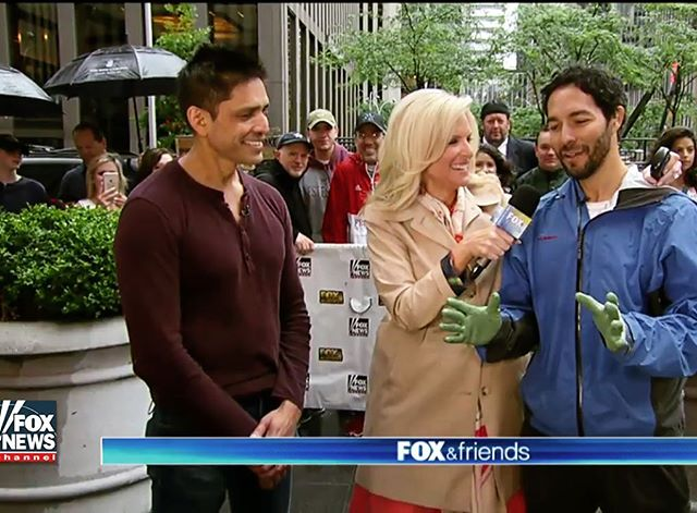 Free garden hand trowel for the best caption on this photo 🙋🏽‍♂️🌻🌷. Thanks @foxandfriends and @homedepot
