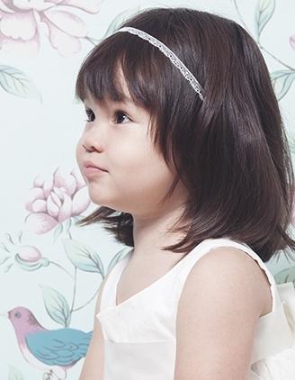 headband-enfant-lilly-dentelle-fine-blanche.jpg