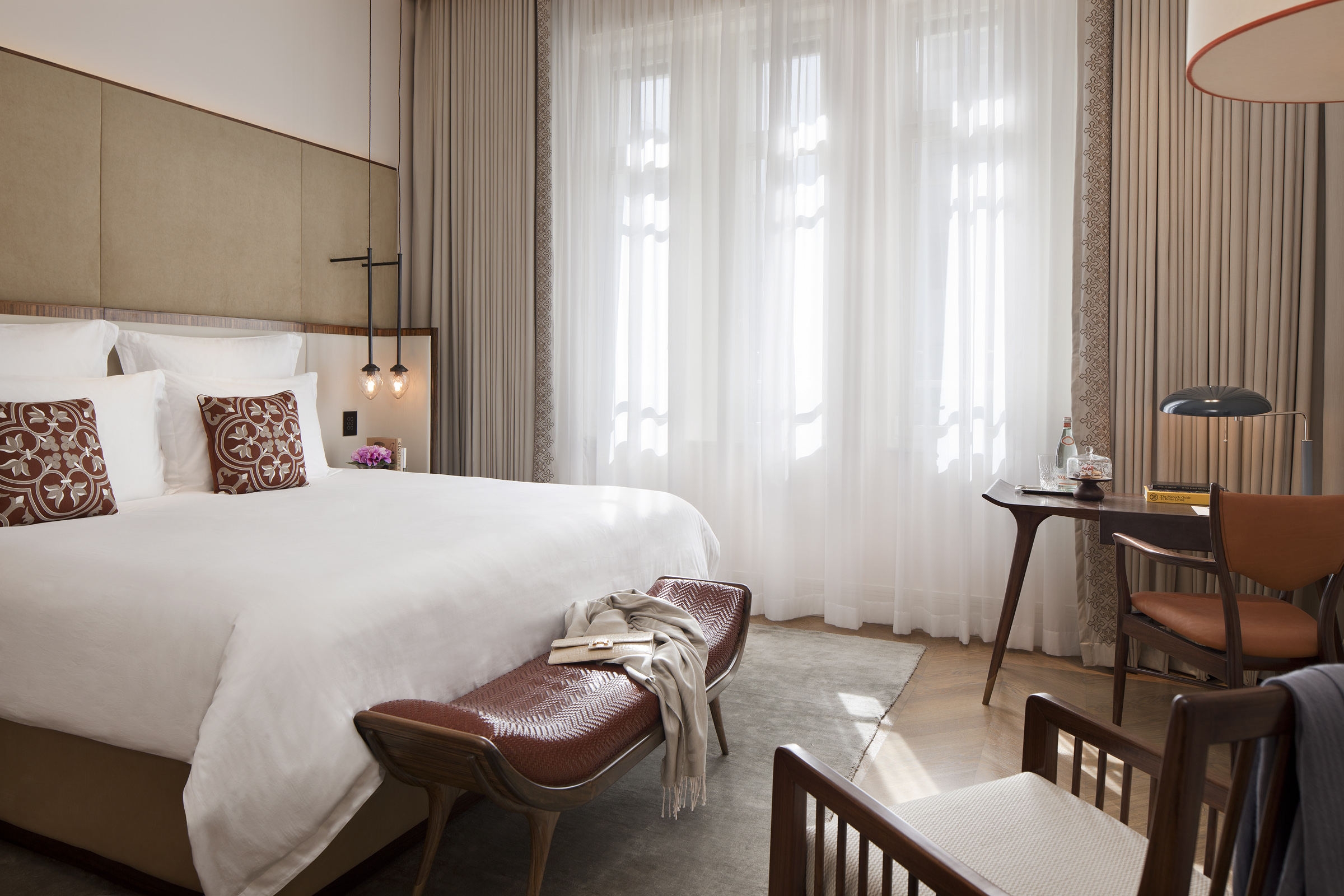 deluxe_norman_hotel_mockup_room_002_-_copy.jpg