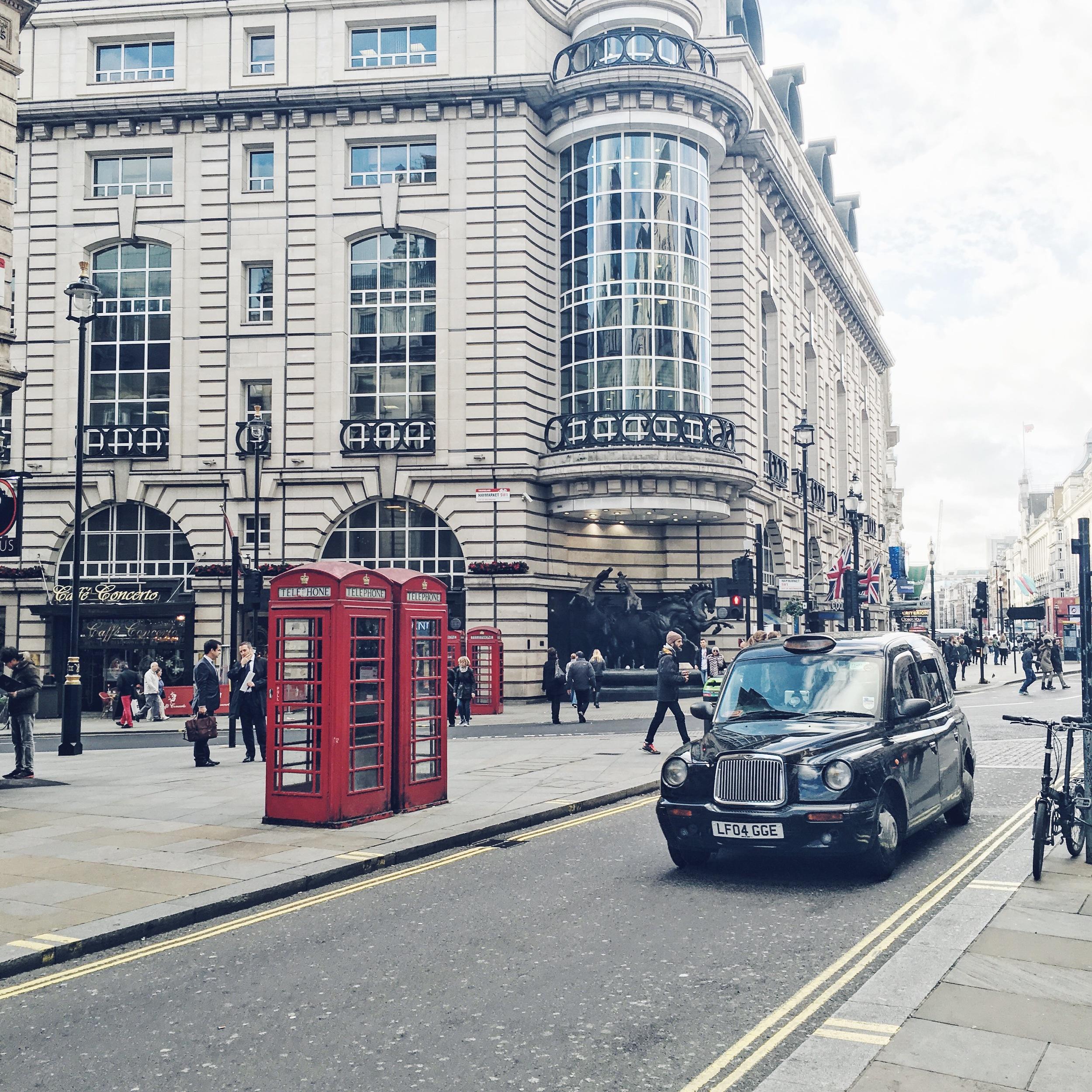 London Scene on Oxford Street