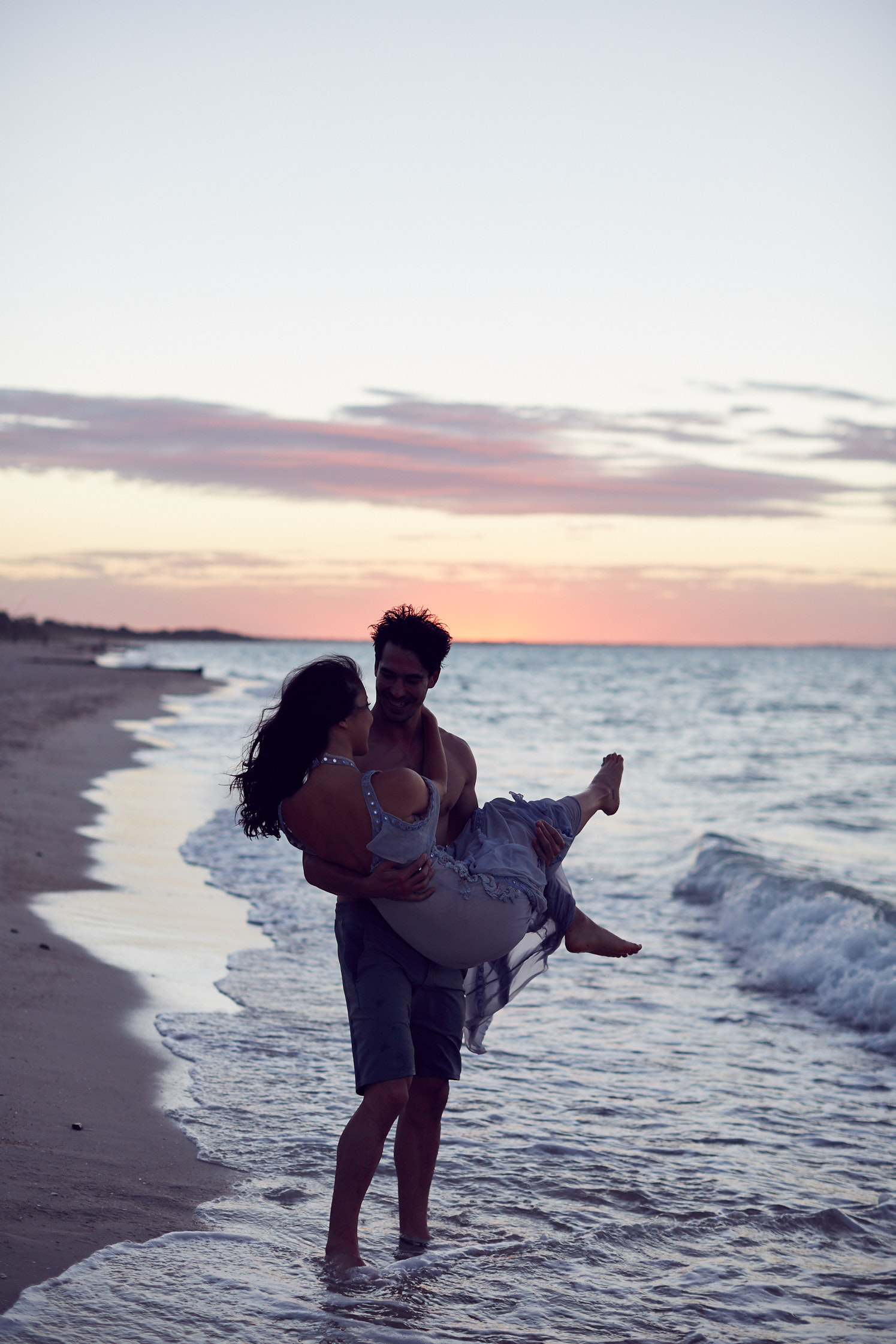 Sarah & Nick lost in love. Couple Goals. Beach sunset