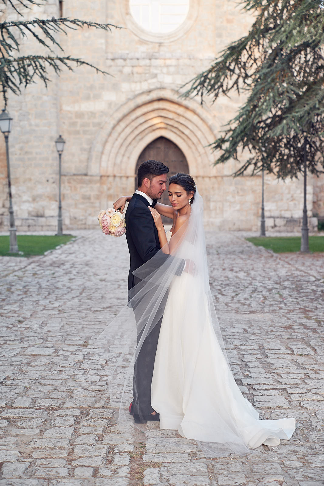 Castilla Monasterio Wedding Photos Spain by Los tIn Love Photography
