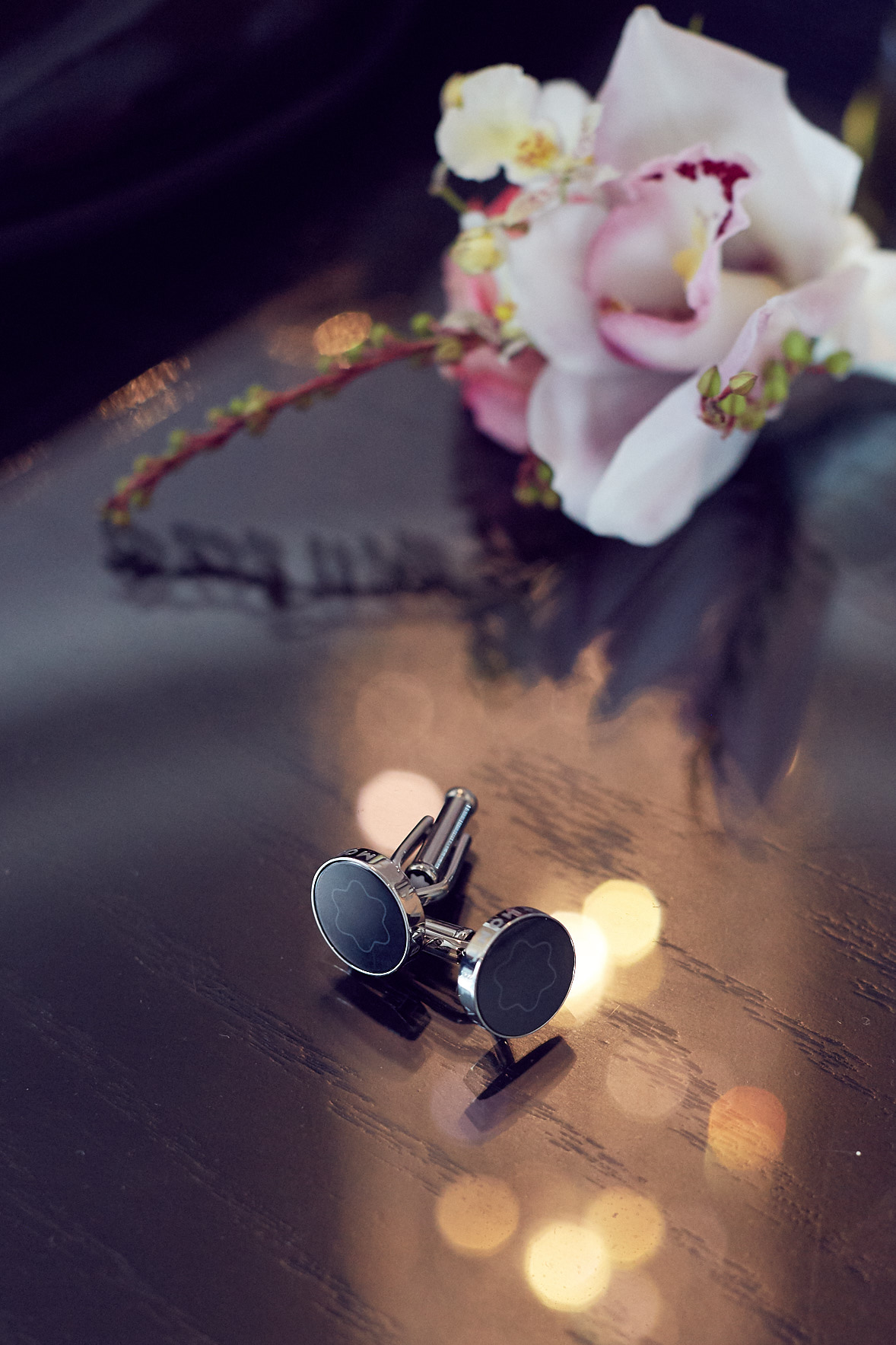 Montblanc cufflinks & orchard boutonniere by Boutierre Girls