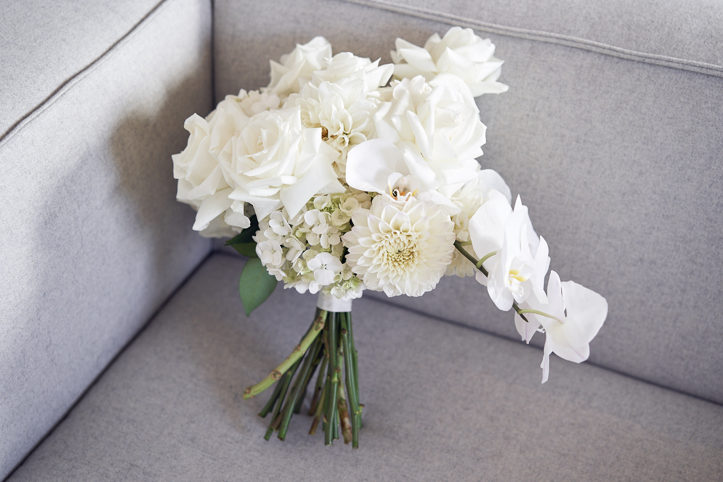 badlands + co bride flowers by Lost In Love Photography