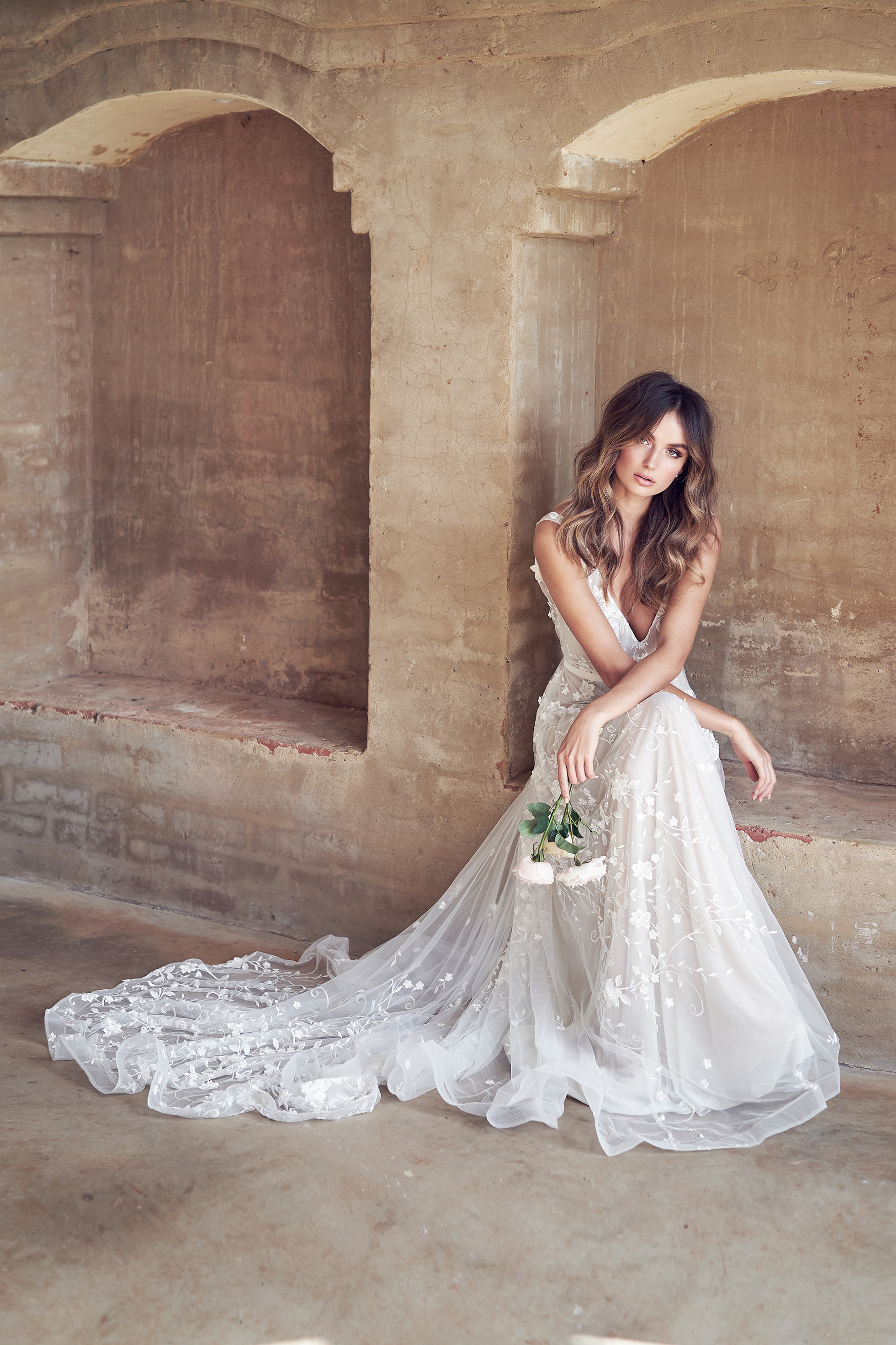 lace wedding dress Anna Campbell by Lost In Love Photography