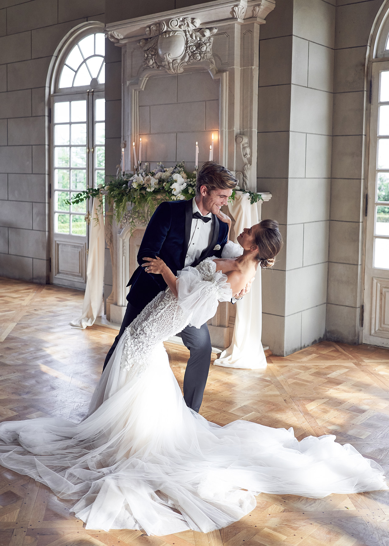 classic and chic first dance Campbell point house by lost in love photography