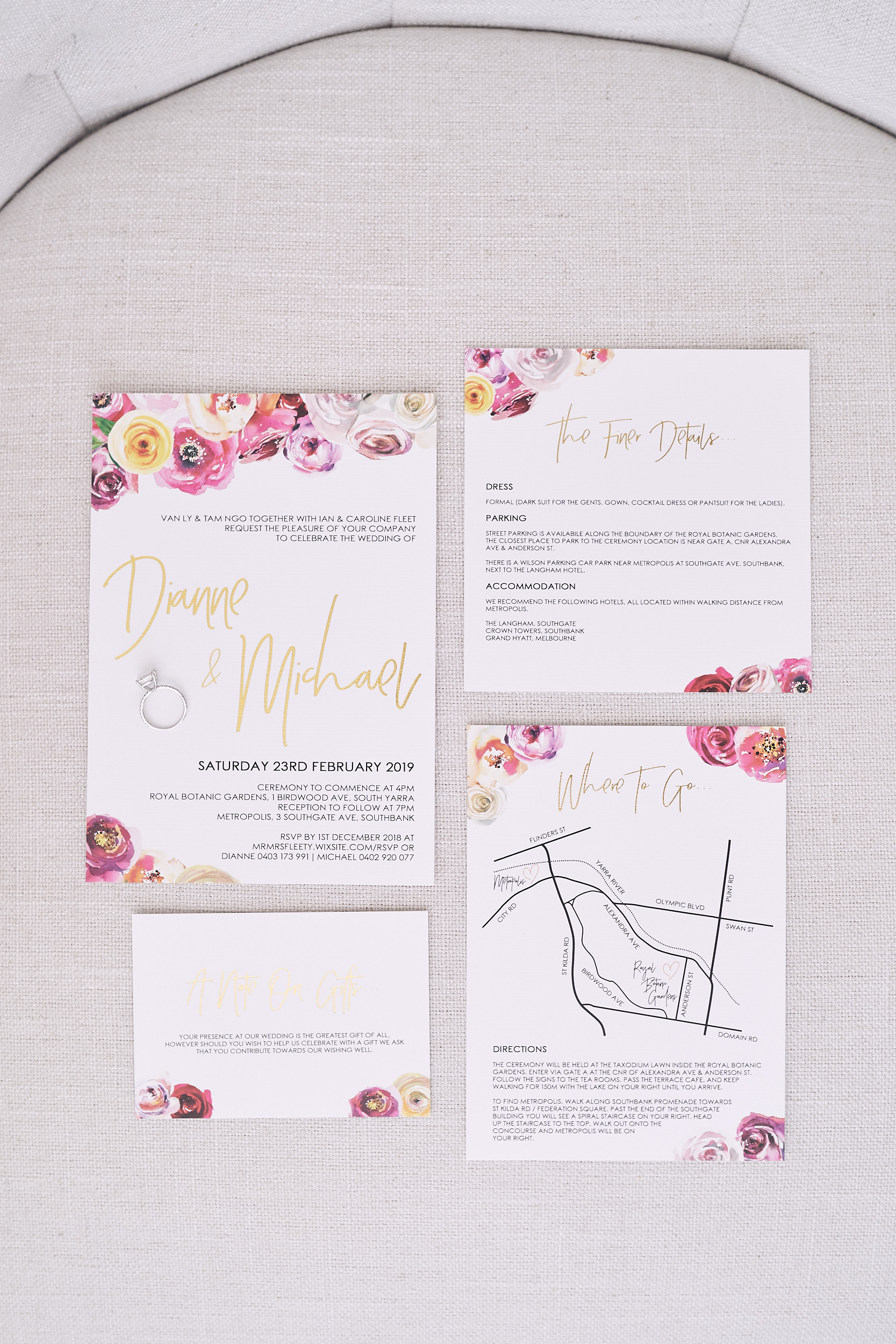 Botanical gardens wedding. Invitation. Lost In Love Photography