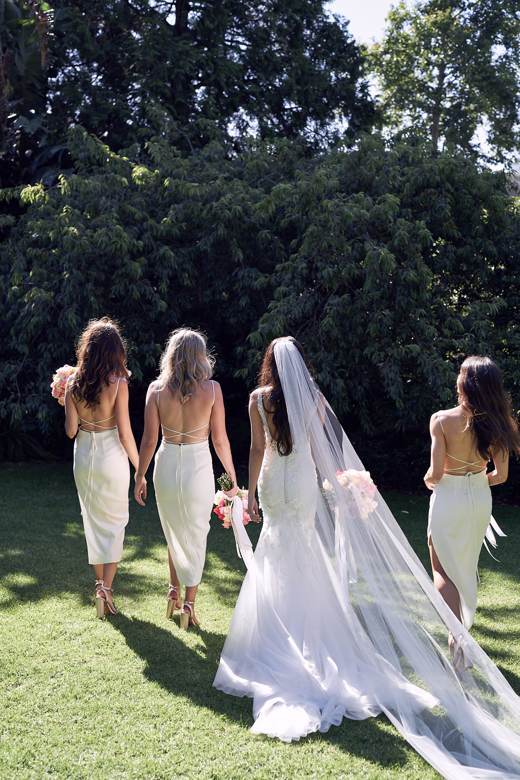 Melbourne Botanical garden wedding bridal party by Lost In Love Photography