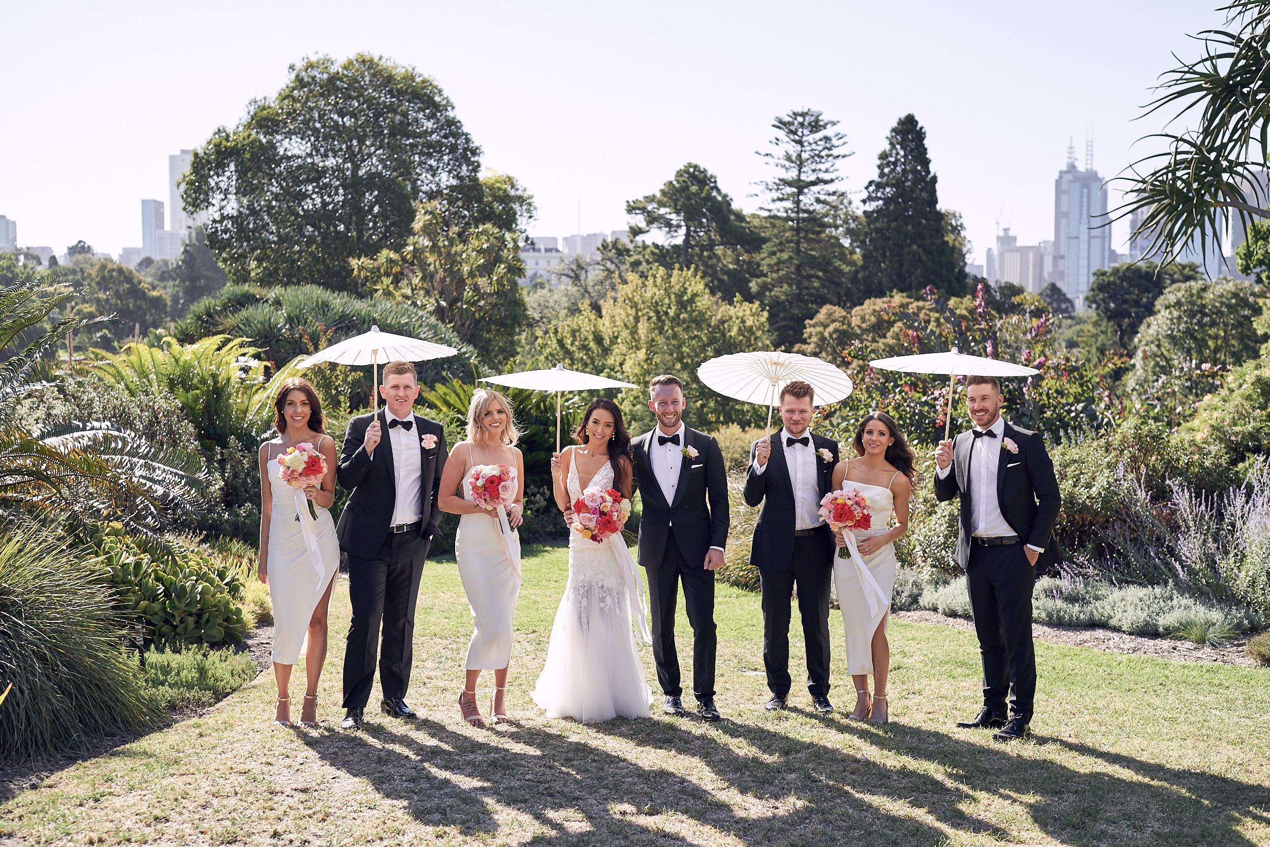 botanical garden wedding, bridal party. By lost in love photography