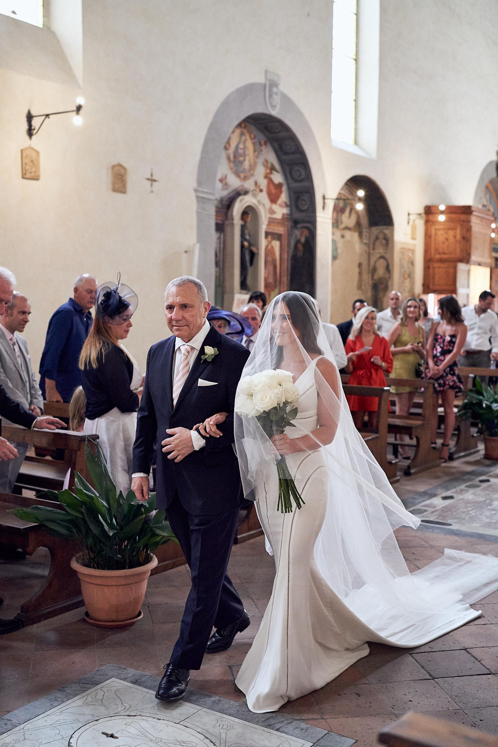 LR_JandA_Tuscanywedding_lostinlove 9.jpg