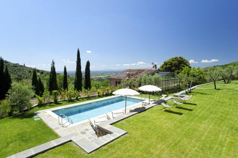 villa-accommodation-tuscany.jpg