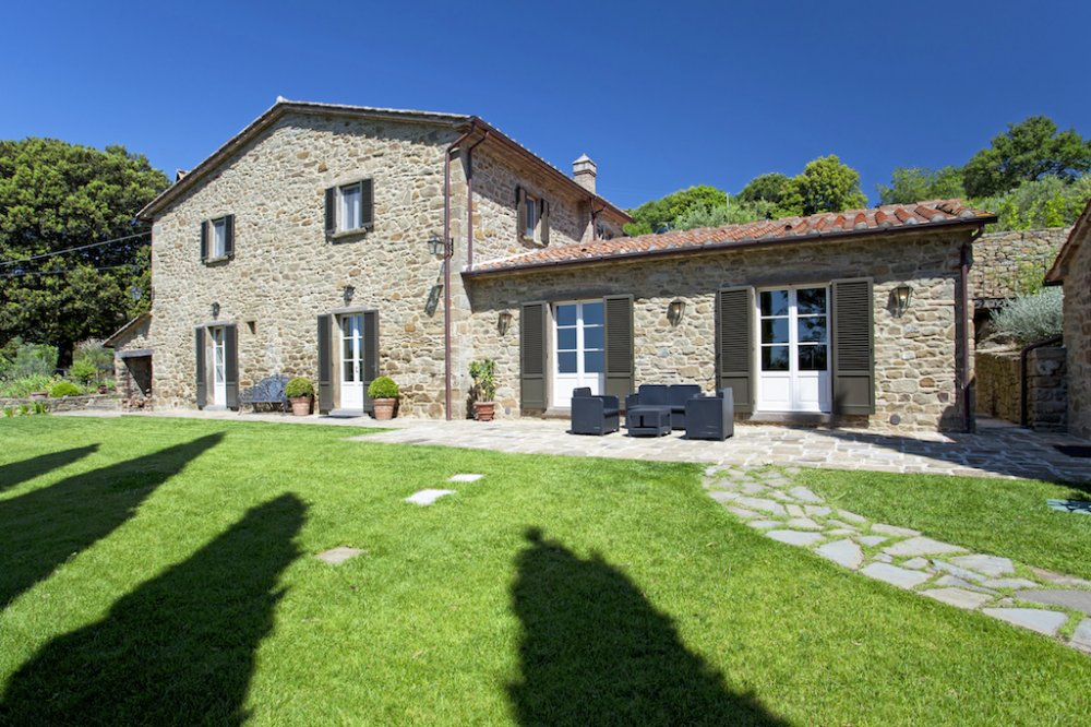 cortona-stone-villa.jpg