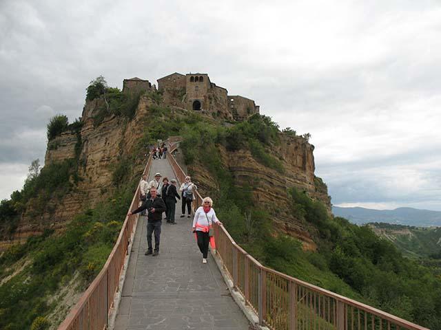 Civita-di-Bagnoregio-mad-about-tuscany-tours.jpg