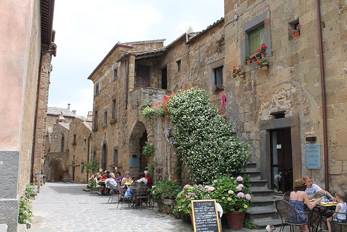 la-cantina-lunch-in-civita-di-bagnoregio.jpg