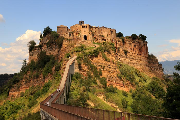 foot-bridge-to-civita-di-bagnoregio.jpg