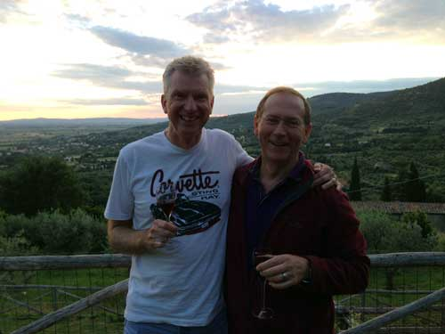 mad about tuscany guests at sunset