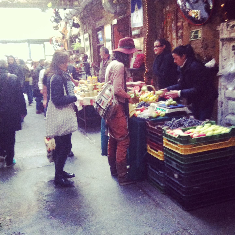 buyer farmer market.jpg