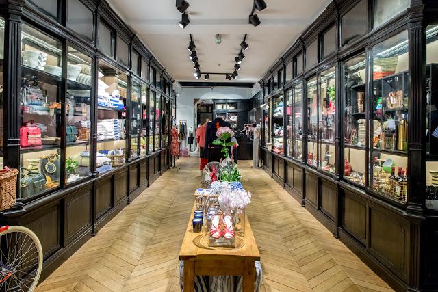 Vitrines - Boutique Inès de la Fressange Paris - Le Petit Florilège