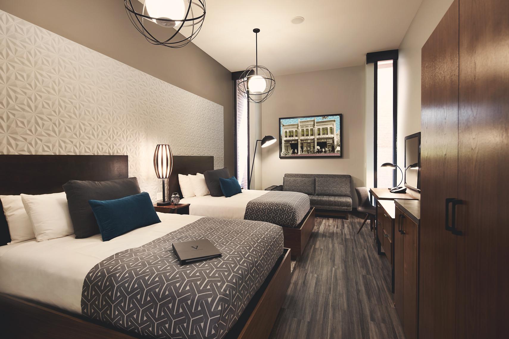 07_28_15-HotelVandivort-010.jpg
