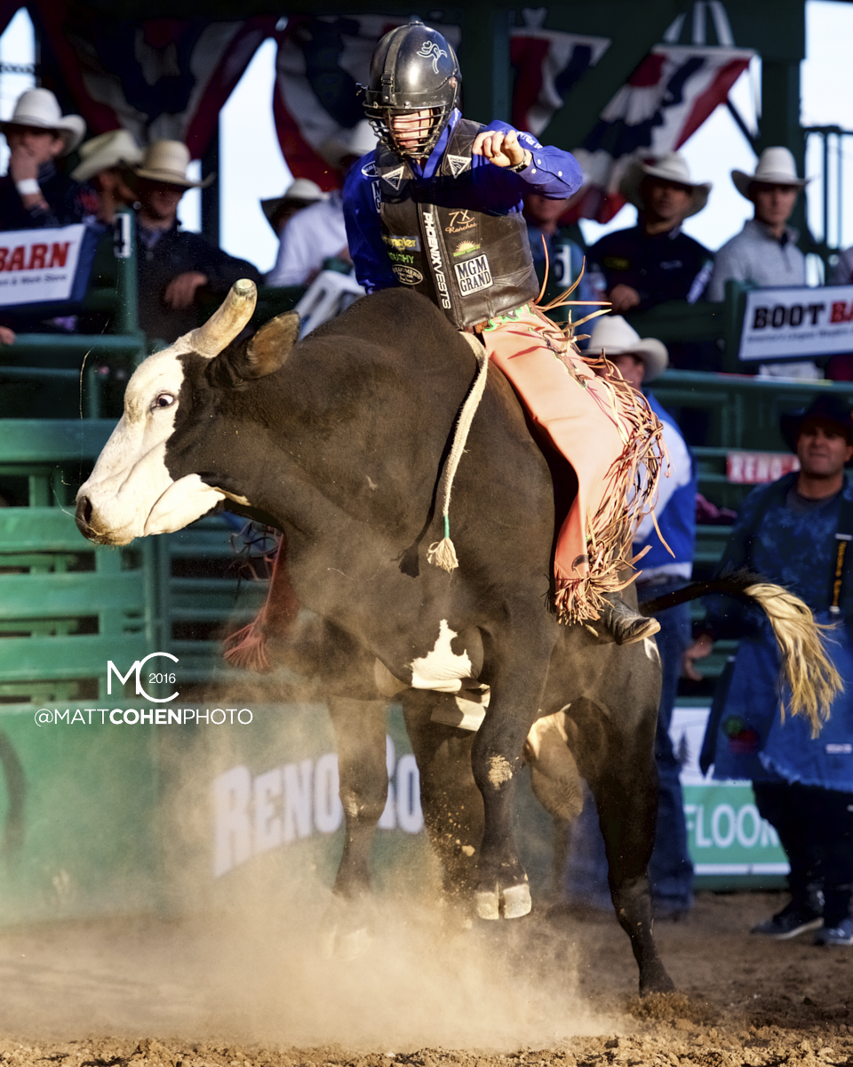 2016 WNFR: Wrangler National Finals Rodeo Qualifiers: Bull Riding #1 Sage Kimzey