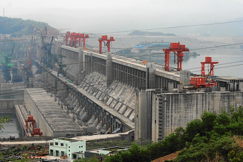 Three Gorges Dam in China. Photo from Wikimedia by  Christoph Filnkößl .