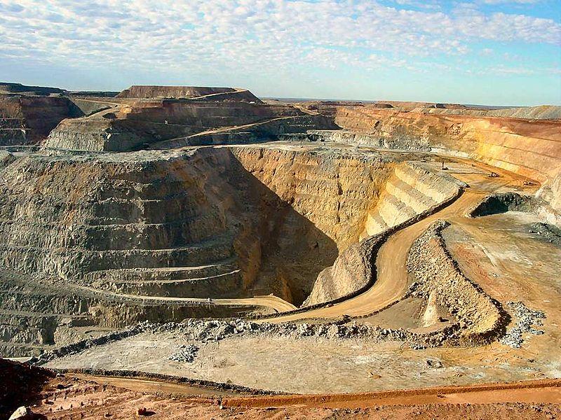 Western Australian gold mine -- the 'Superpit' at Kalgoorlie. Photo courtesy  Yewenyi .