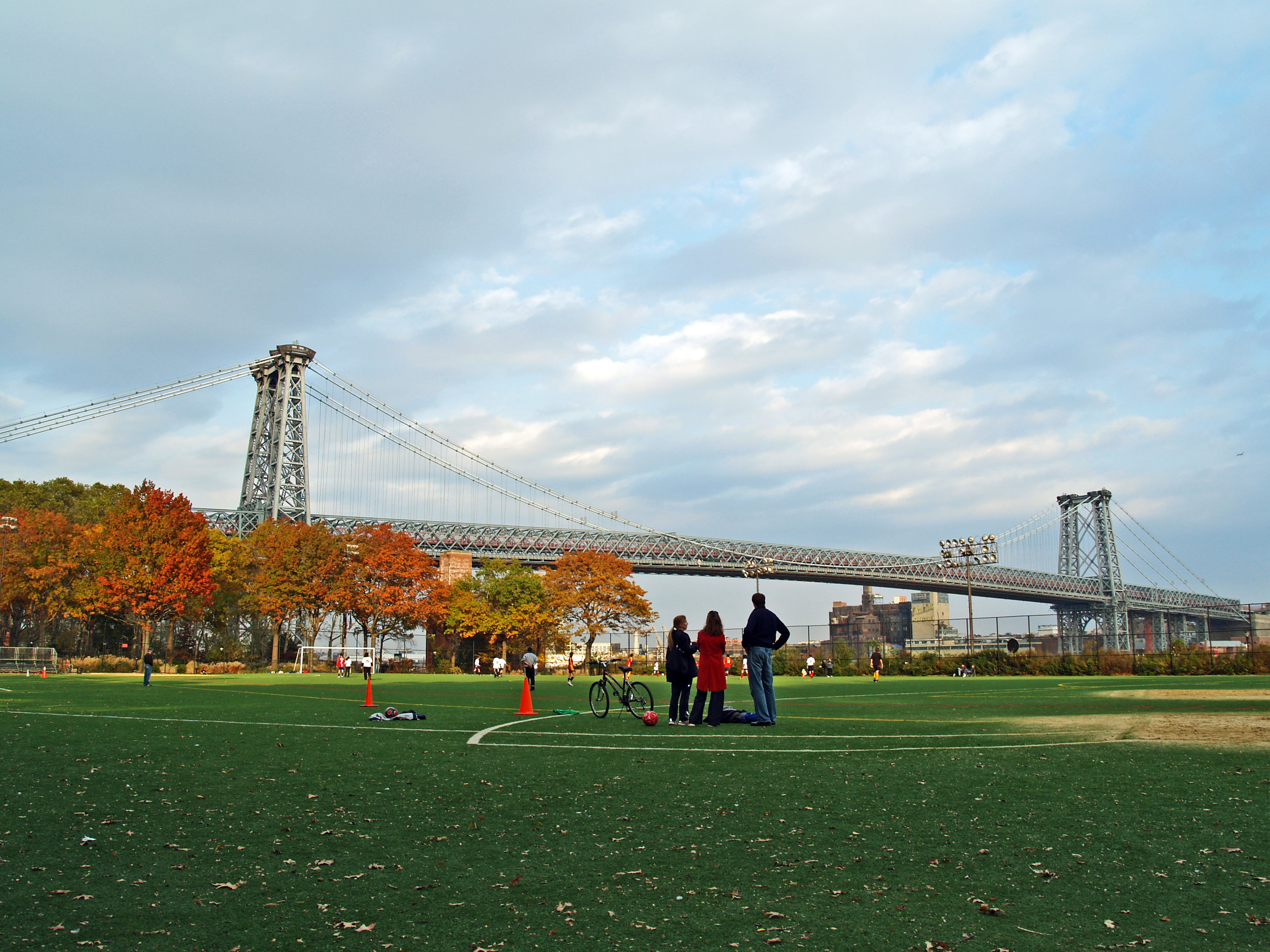 East_River_Park_in_Fall_2008_number_2.jpg