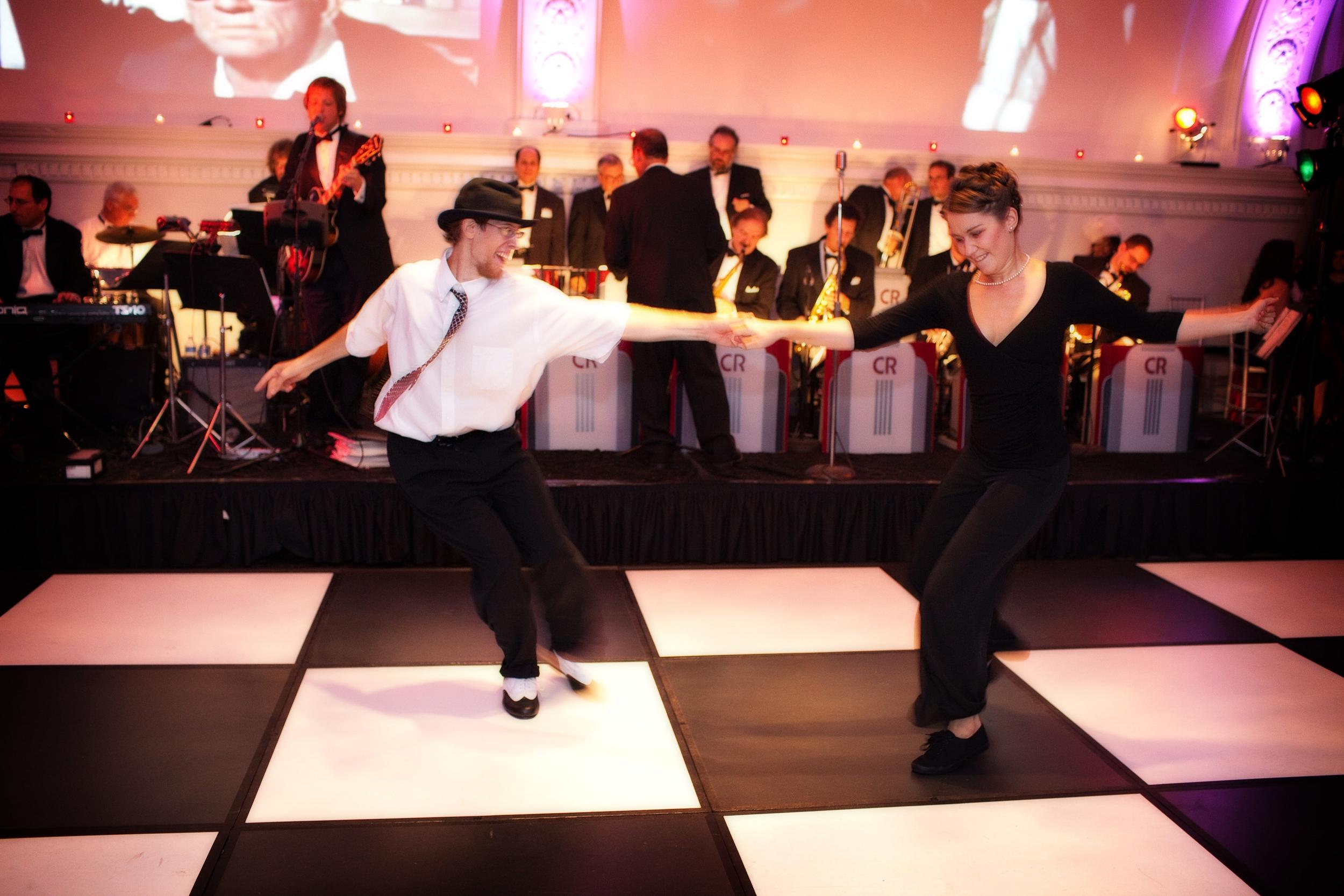 Swing dancers.JPG