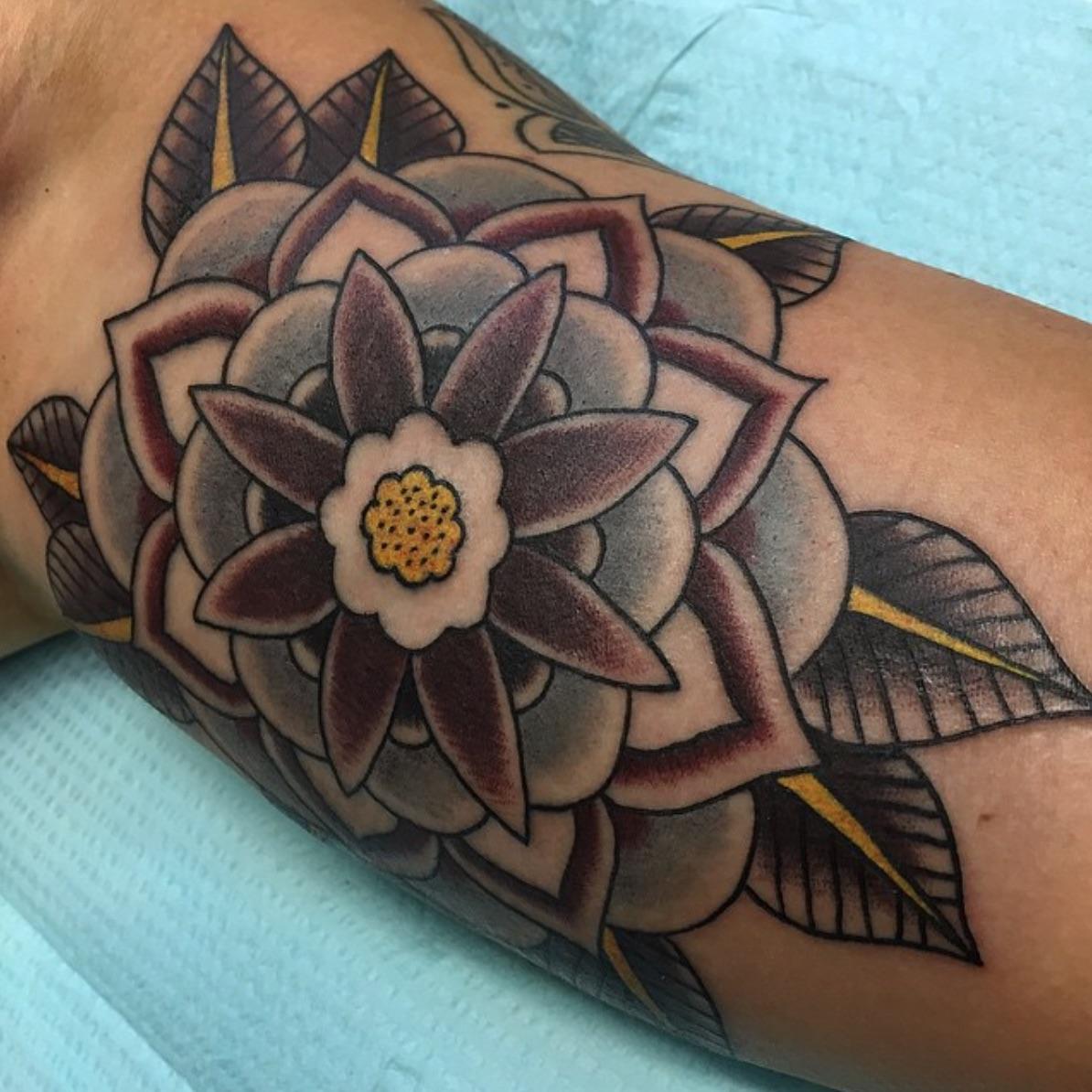 Bobby Boartfield elizabeth st tattoo riverside ca flower.jpg