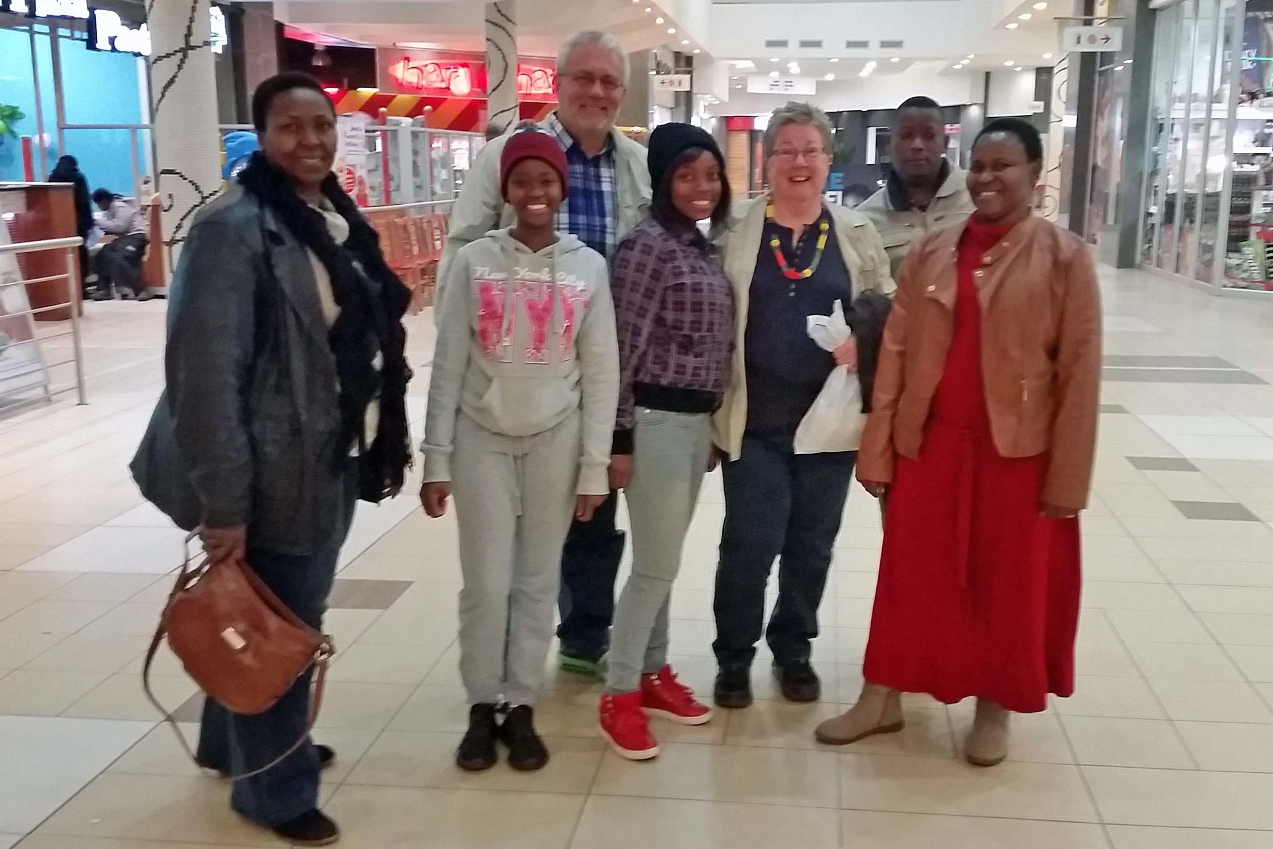 (L to R) Barbara (Kedibone's friend), Boitumelo (daughter), Doug, Kutlwano (neice), Abby, Stephen & Kedibone