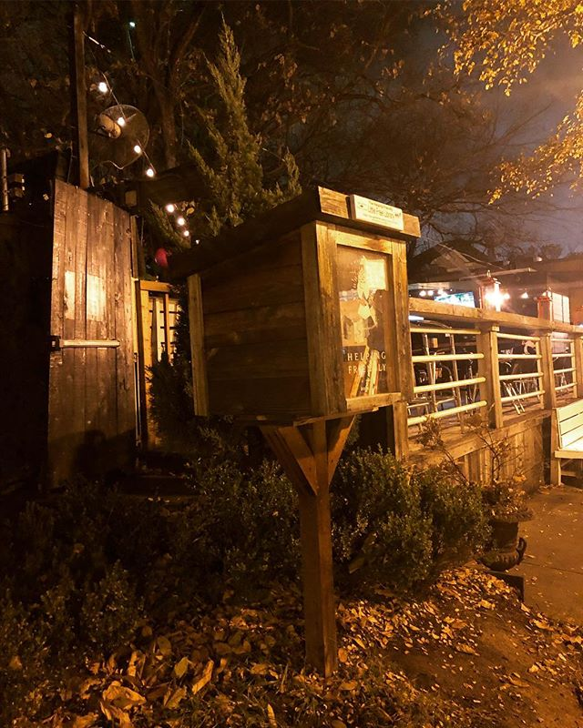 Stopped by the Helping Friendly Little Free Library last night. Happy to see it's full of books! #helpingfriendly #littlefreelibrary #HFLFL #dallas #uptown