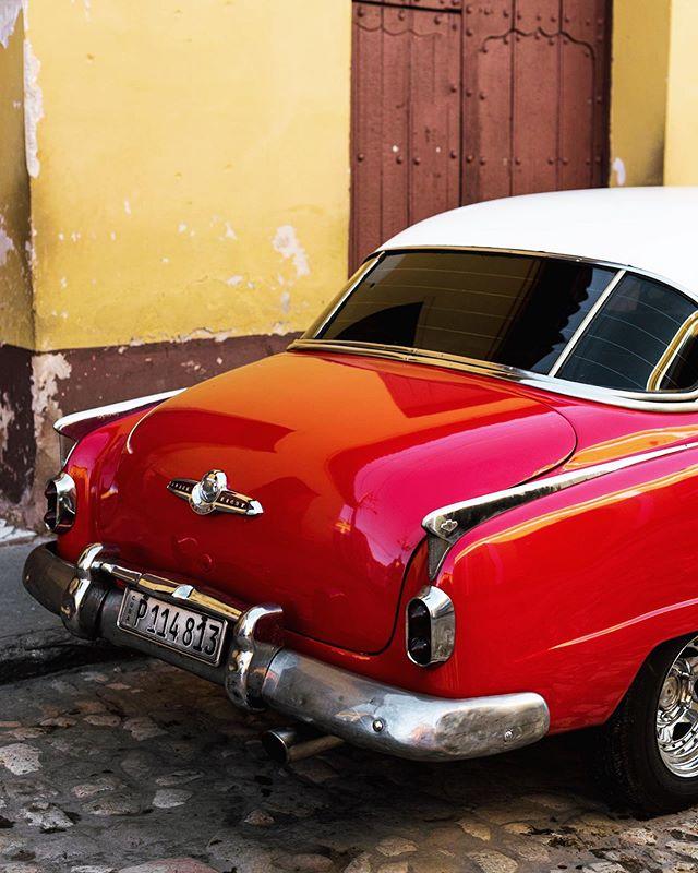 🔴Red power - Cuba 🇨🇺 #cuba #cubatravel #cuba2day #red #redcolour #leroutard #cuban #earthfocus #car #havanacuba #taxidriver #latergram #lonelyplanet #lonelyplanetcuba #havana #colonial #vintage #chevrolet #lonelyplanet #visitcuba #caraibes #colors #car #igerscuba #igersfrance #nikon #d750 Cuba2Day @car_vintage @havana.destinations @cubavisit @earthfocus @chevrolet @leroutard @_havanaclub @cuba2day @lonelyplanet @lonelyplanetfr @cuba_gallery