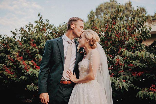 Kelsey + Luke - Now in highlights! 💕 #lemonmoonphotography #westmichiganwedding #westmichiganphotographer #weddinginspiration