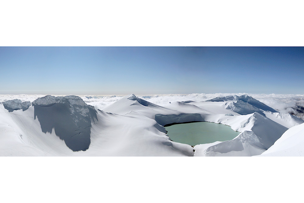 Matt_Crawford_Ruapehu_crater_lake.jpg  .jpg