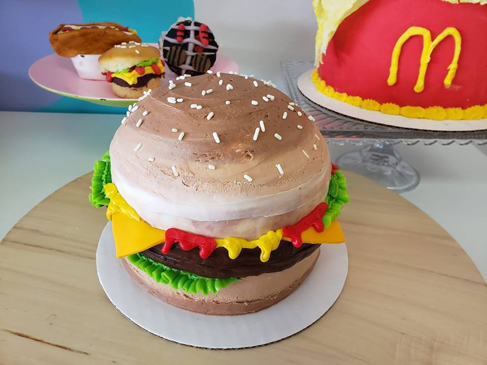 Hamburger Cake.jpg