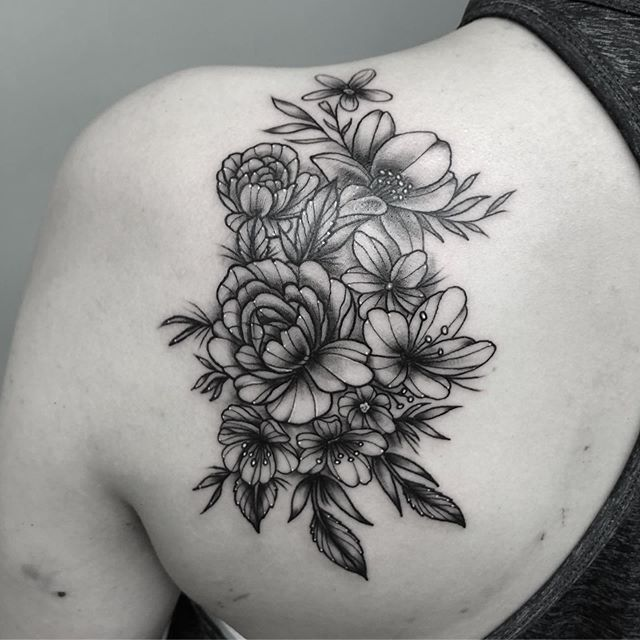 flowers. i did✌️ booking/enquires; agahozturk1@gmail.com or dm! #customwork #blacktraditionals #darktraditional #boldlines #flowertattoo #blackwork #blackandgraytattoo #girlytattoos #brisbane #brisbanetattoo #brisbanetattooist #bulimba #inkembassy