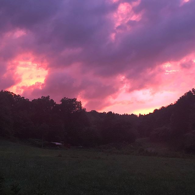 Those Carolina Sunsets... 😍👏👍 #sunset #carolina #northcarolina #beautiful #828 #wnc #franklinnc #summer #june #2019 #instasunsets