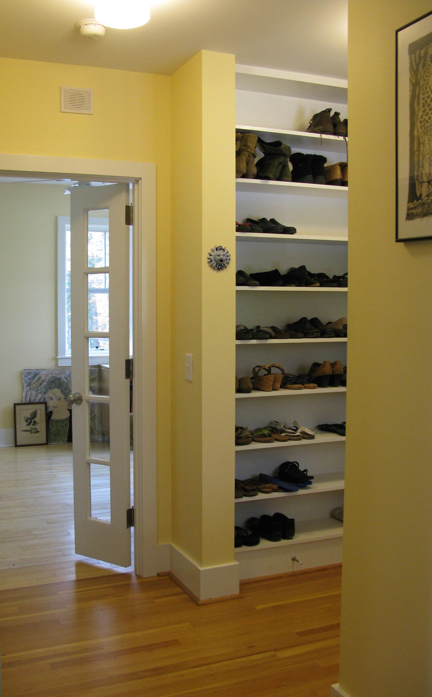 04Rear entry:shoe shelves copy.JPG