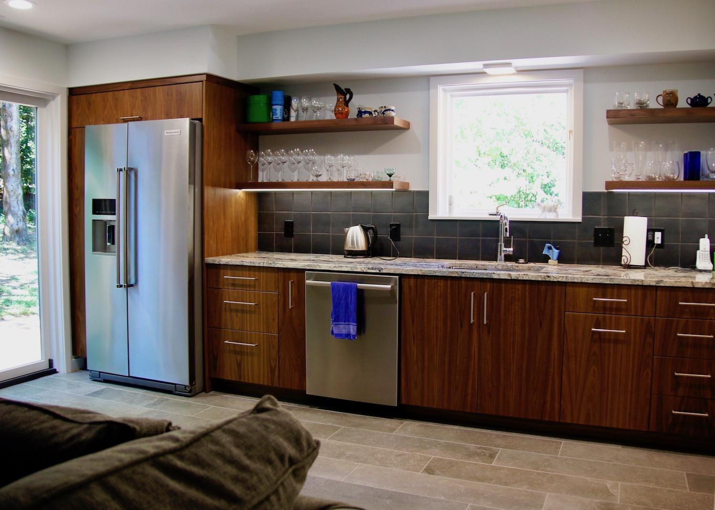 Rec room kitchen 01.jpeg