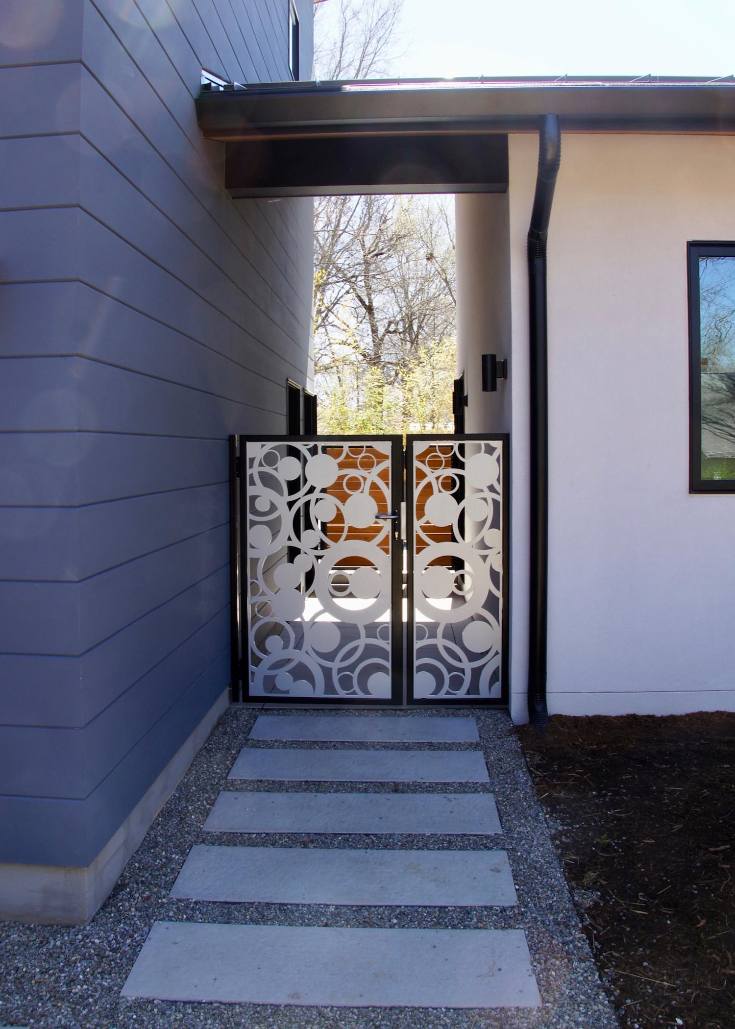 gate 01.jpg