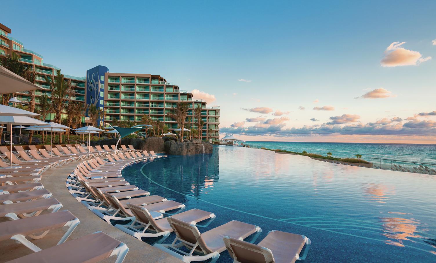HRH Cancun Pool 121812.jpg