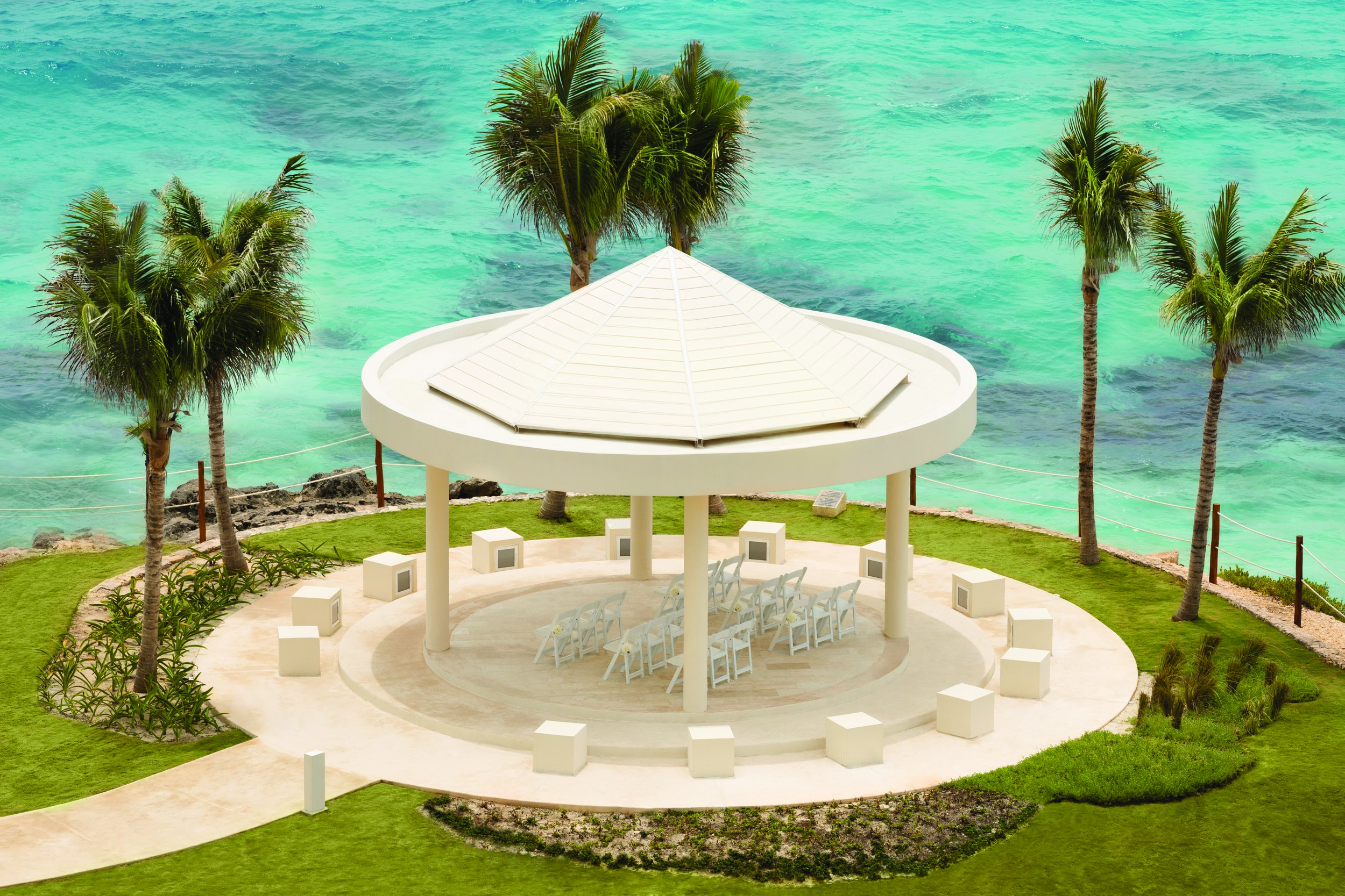Hyatt-Ziva-Cancun-Wedding-Sky-Gazebo-5.jpg