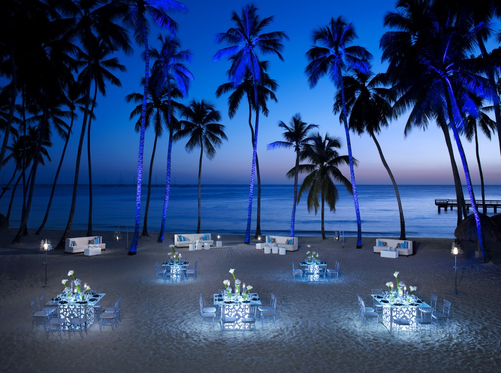 DRELR_GalaDinner_Beach_2_RGB-1024x762.jpg