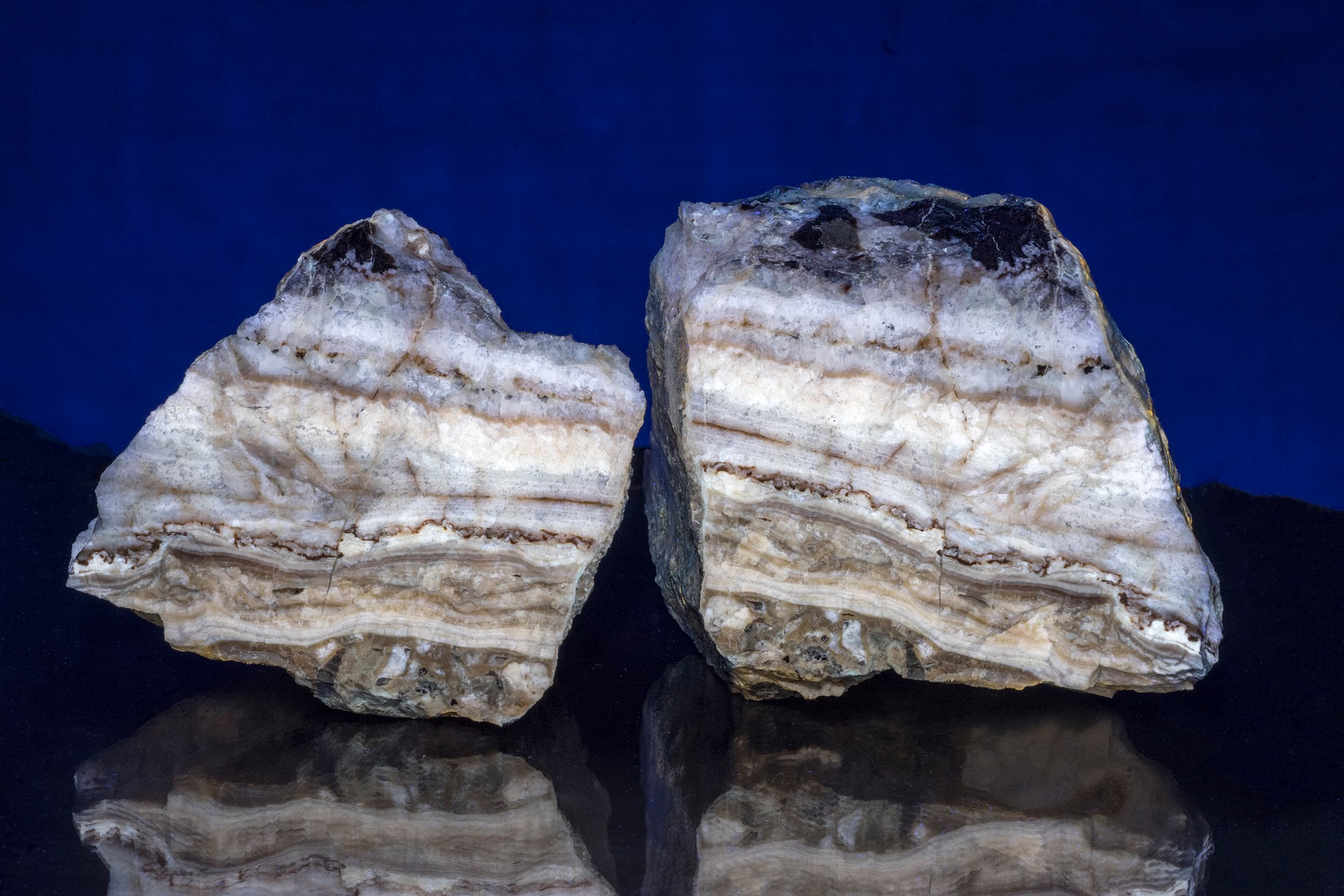 - Not that we cared for the lead minerals. We were there solely for fluorescents! There was plenty to choose from but this was the piece that I took home.http://www.raymond-wu.com/all/2017/11/4/calcite-chert-travertine