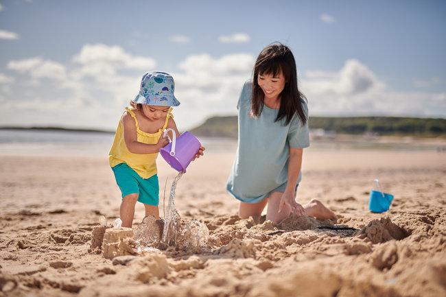 aptamil-130918-toddler-sand-annabell-0146-650x433.jpg