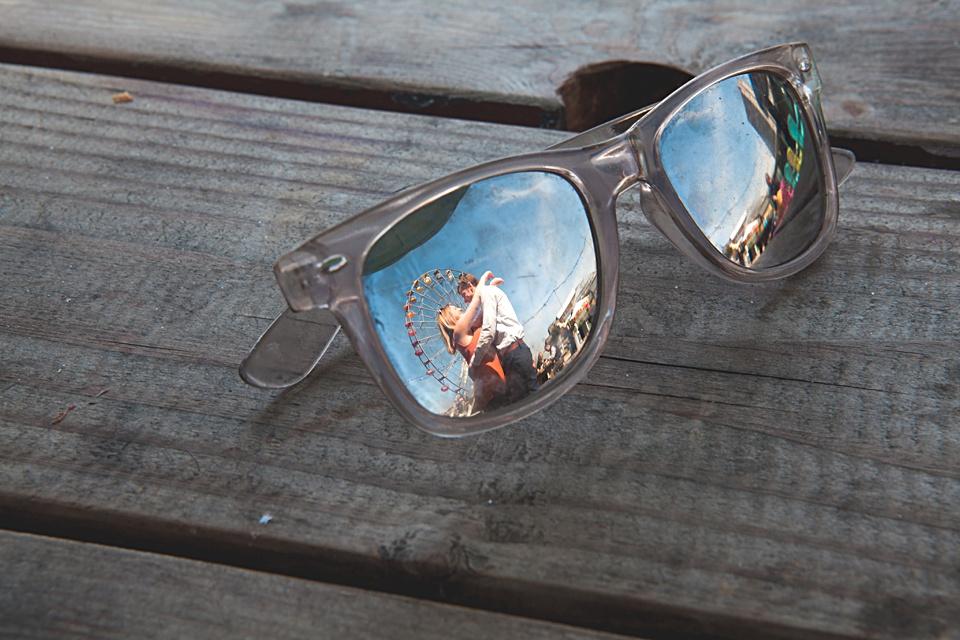 creative photography, Kent wedding, sunglasses, reflection