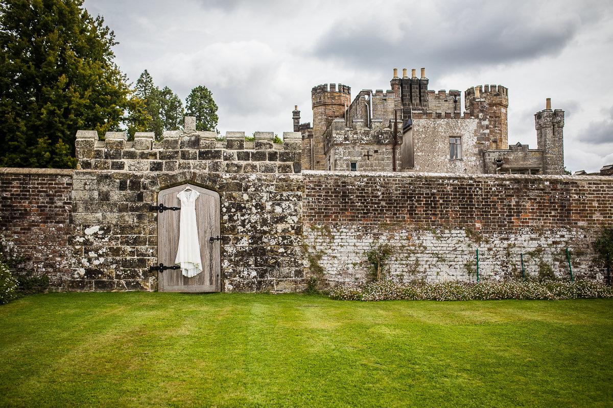 Zoe & Jonny - Wadhurst Castle-4.jpg